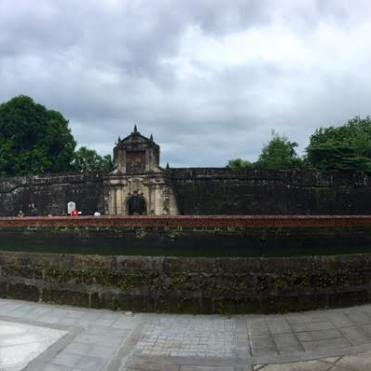 manila-philippines-fort-entrance-2017